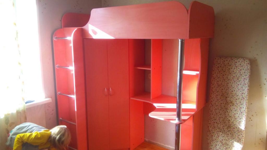 Уральская мебельная фабрика - Красная кровать для моей дочурки